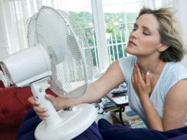ventilatore per una donna in menopausa