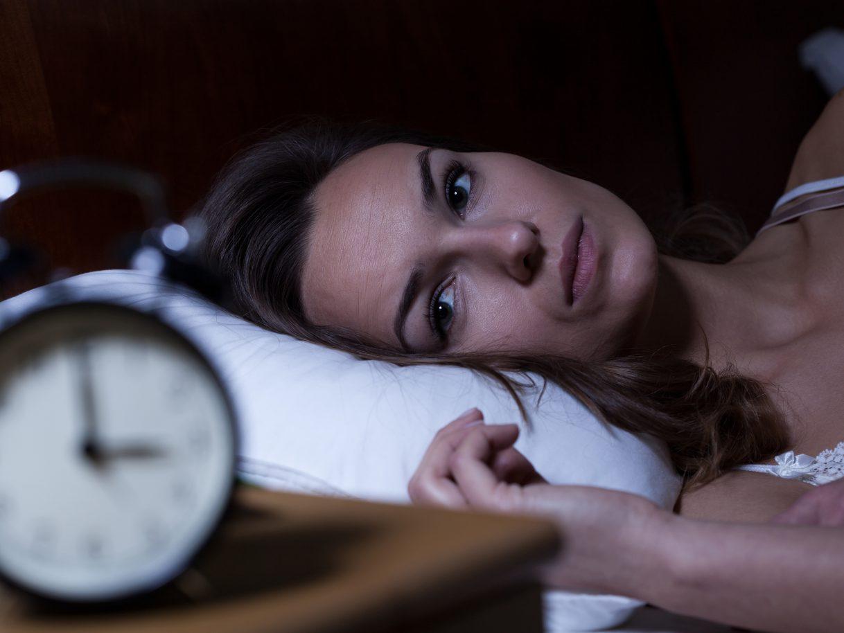 menopausa: donna con l'insonnia a napoli