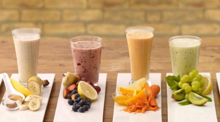 dieta detox con frullati di frutta ed estratti verdi